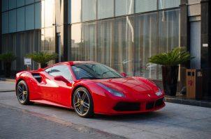 فيراري 488 GTB اللون الأحمر
