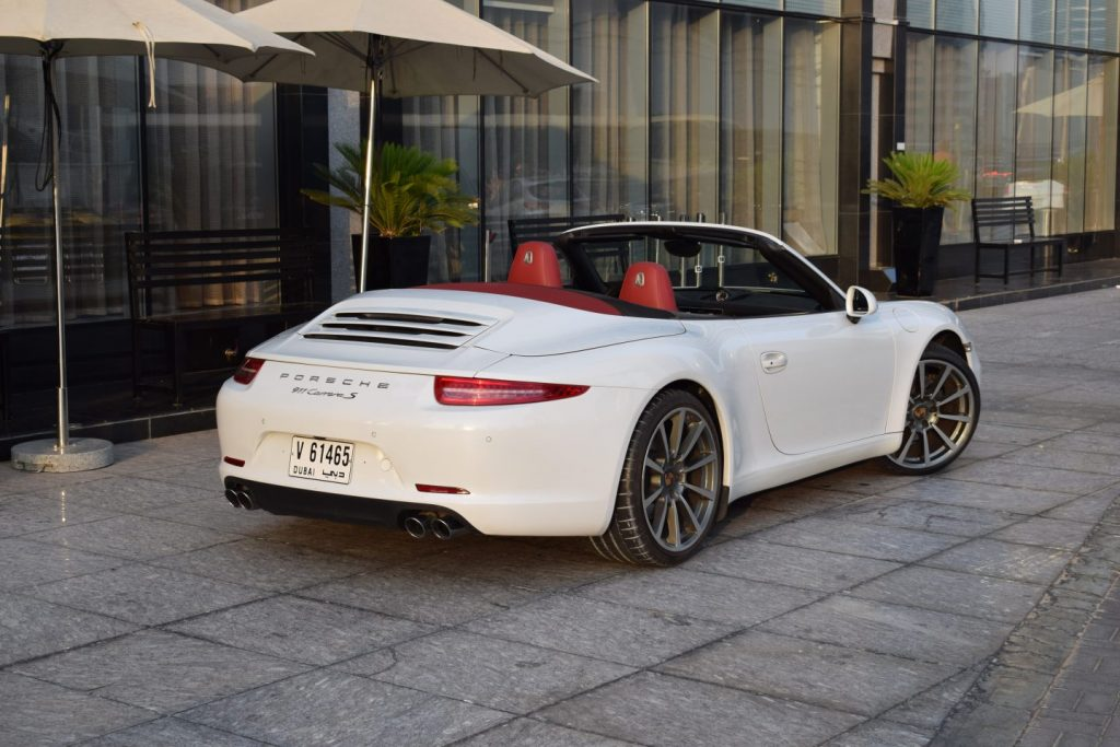 rent porsche 911 cabriolet 4s - superior car rental in dubai