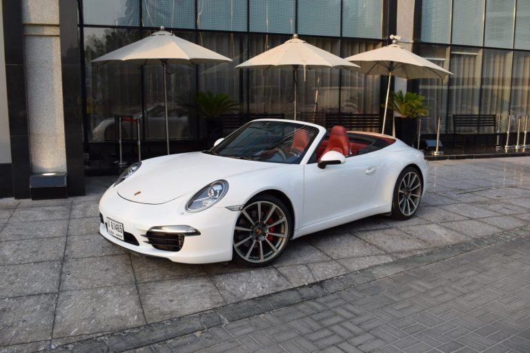 Porshe 911 White - For Rent in Dubai UAE