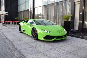 lamborghini huracan coupe groen in Dubai