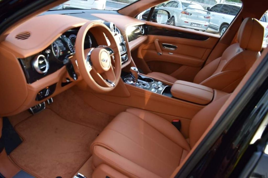 bentley bentyaga interior