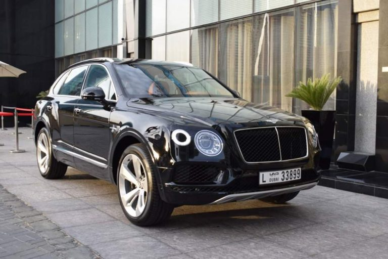 Bentley Bentyaga Black - Dubai for Rent