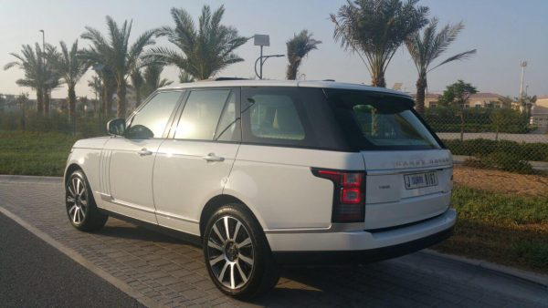 Rent Range Rover Vogue Dubai