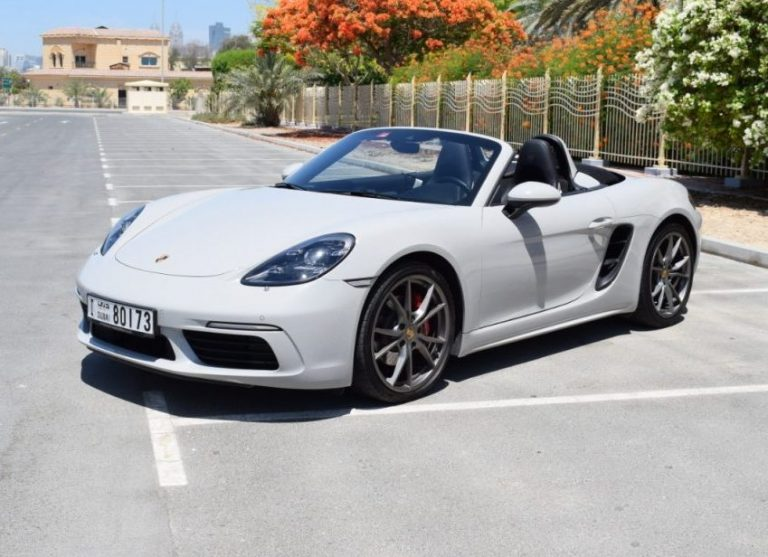 Porsche Boxter 718 White For Rent in Dubai UAE