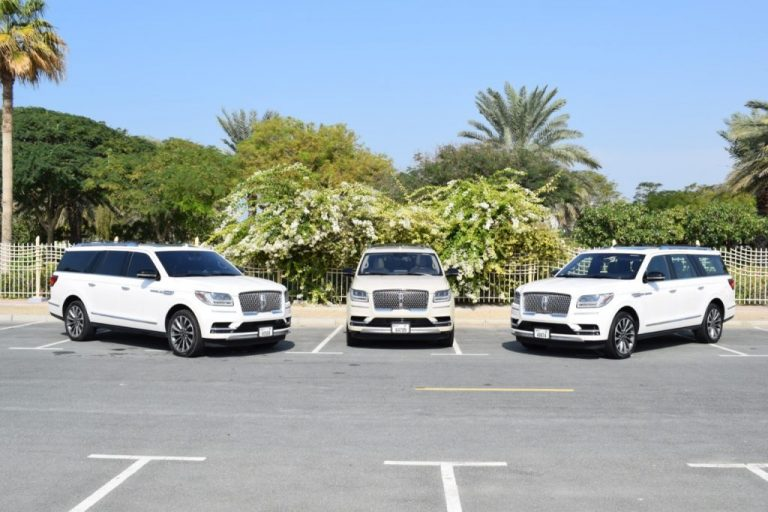 Lincoln Navigator White for Rent in Dubai UAE
